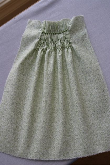 hand pleating for smocking tutorial